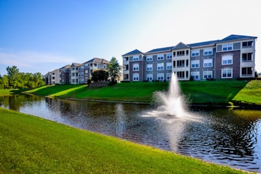 StoneBridge Luxury Apartment Homes in Indianapolis Buildings on Lake