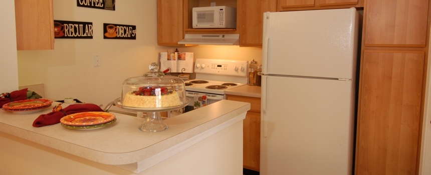 StoneBridge Luxury Apartment Homes in Indianapolis model kitchen